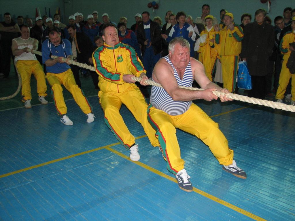 перетягивание каната в Жирновске