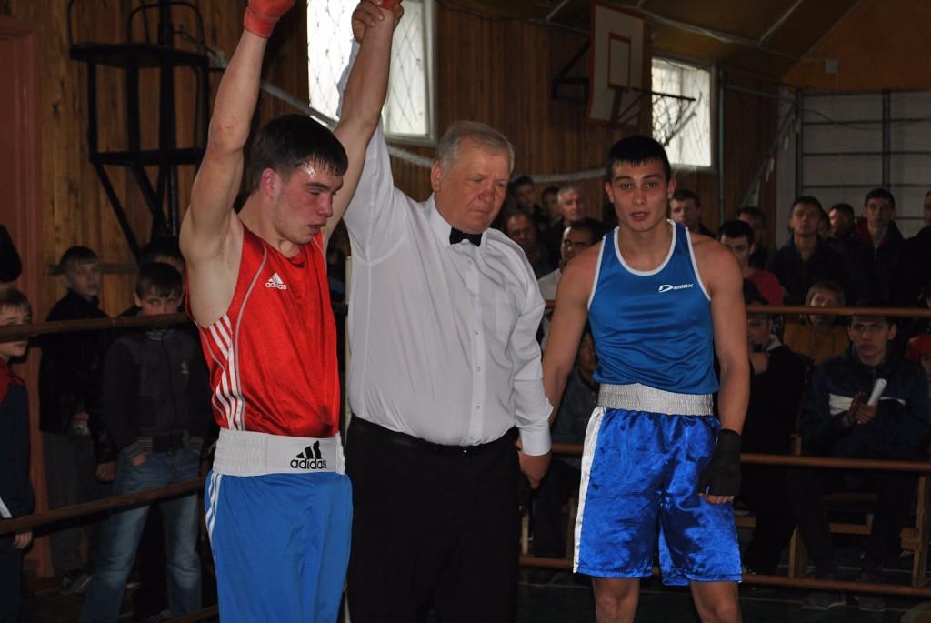 Бокс в Жирновске
